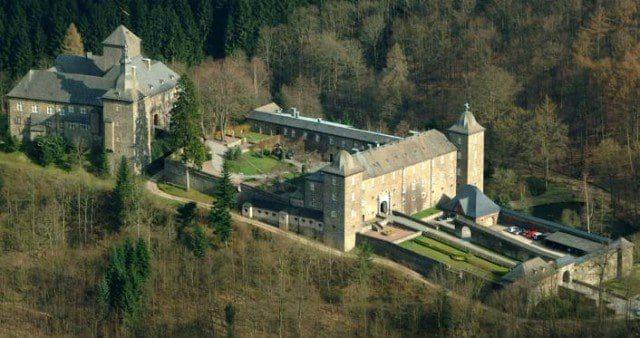 Burg Schnellenberg - Hotel Restaurant Tagungshotel